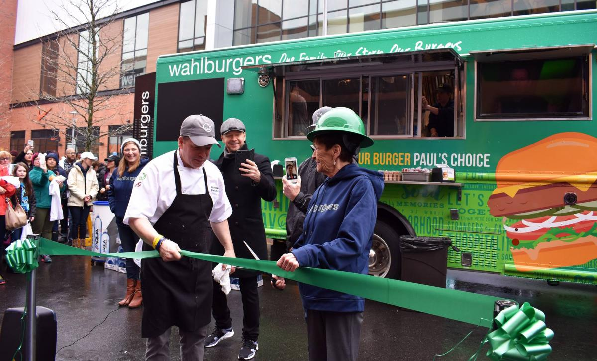 p1 Wahlburgers launch REP 22-18.jpg